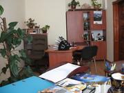 Производство торгового оборудования и мебели для офисов.